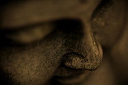 statue-de-bouddha-visage